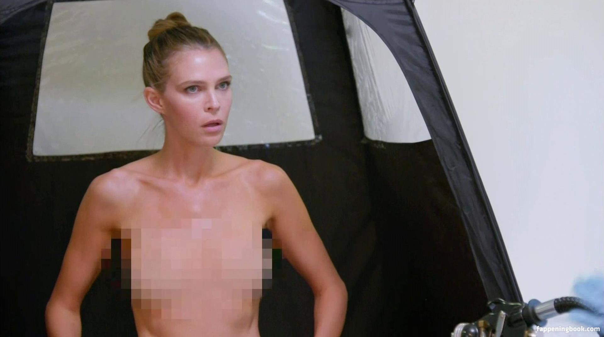 Sara foster nude pictures