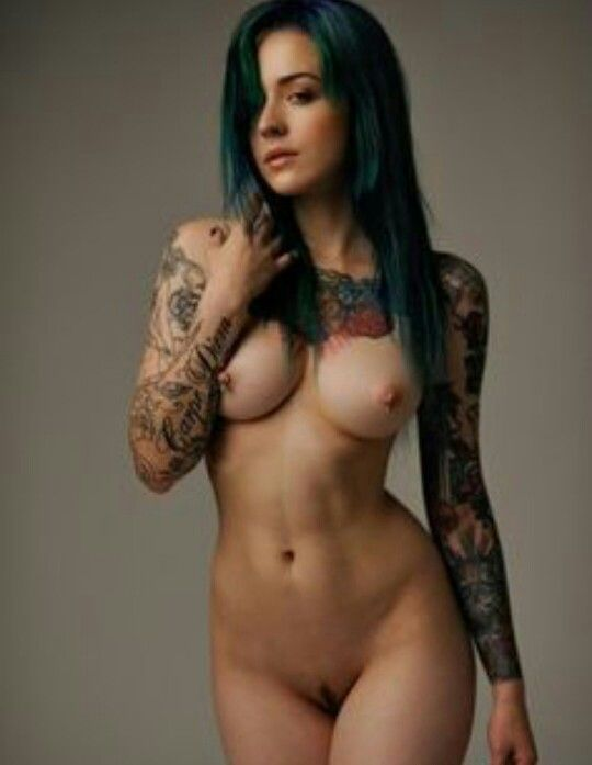 Hot women with tattos nude