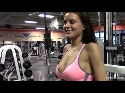 Sexy mom at gym nude